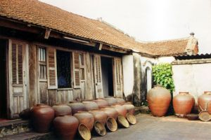 Duong Lam Ancient Village & Van Phuc Silk Village Tour