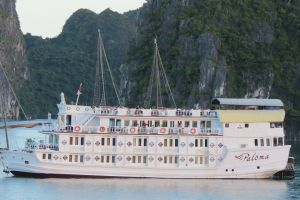 Hanoi & Halong Tour With Paloma Cruise